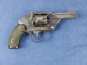 Webley Pocket Hammerless 1898.  Cal 32 Long.