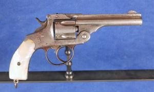Revolver type Smith & Wesson 38 D.A.  VENDU